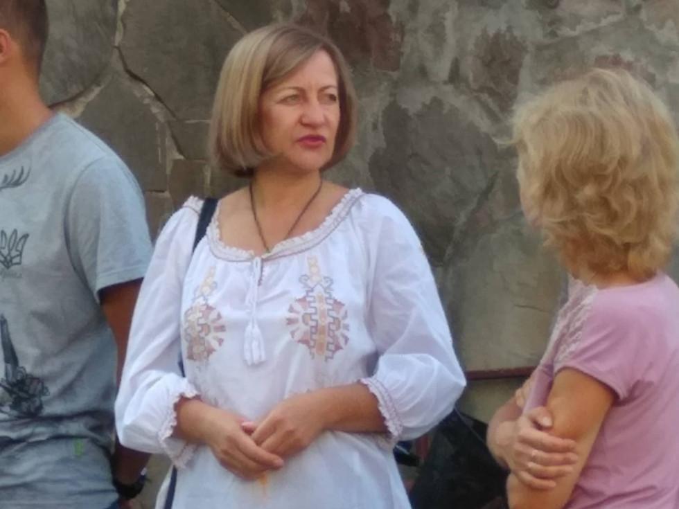 Приїхала з ними й психологиня Олена Звєрєва