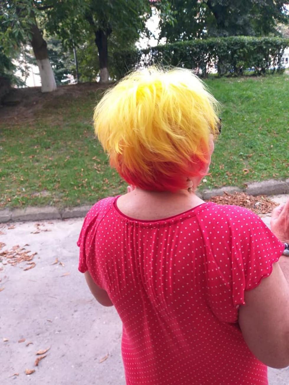 Тепер у Алли - волосся сонячного кольору