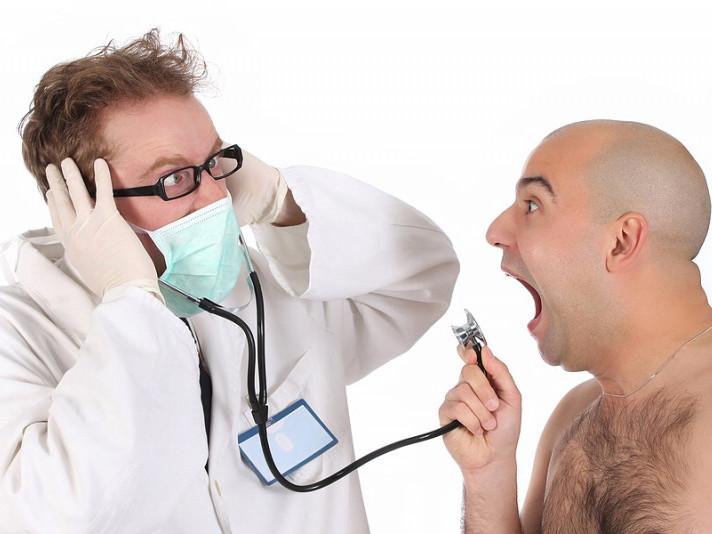 Лікарі не змогил впоратися з неадекватною поведінкою пацієнта самотужки