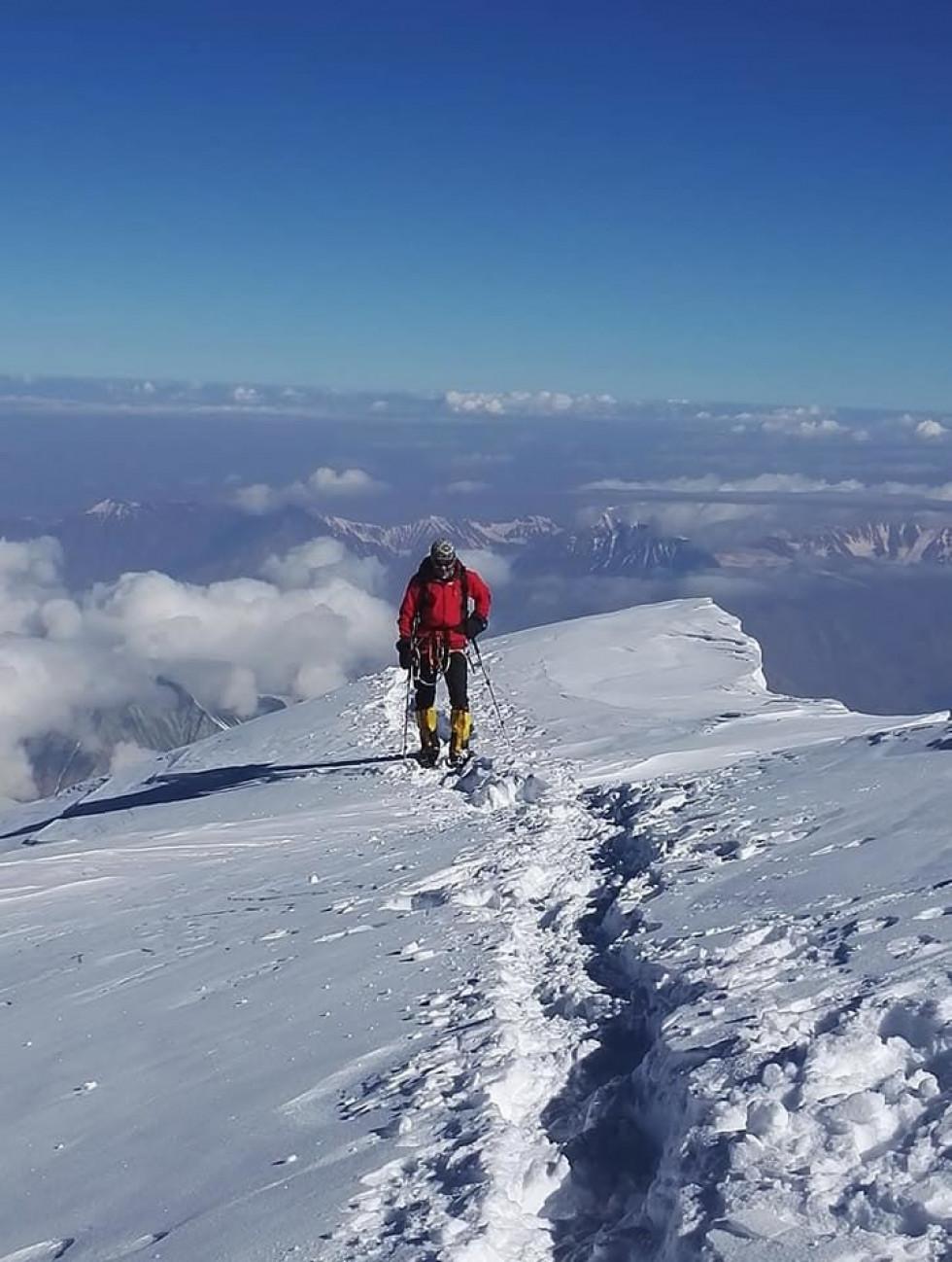 Основною метою подорожібуло успішне сходження на два семитисячника Памір