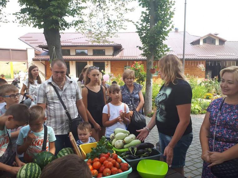 Діти зібрали врожай