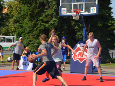 Вуличний турнір з баскетболу