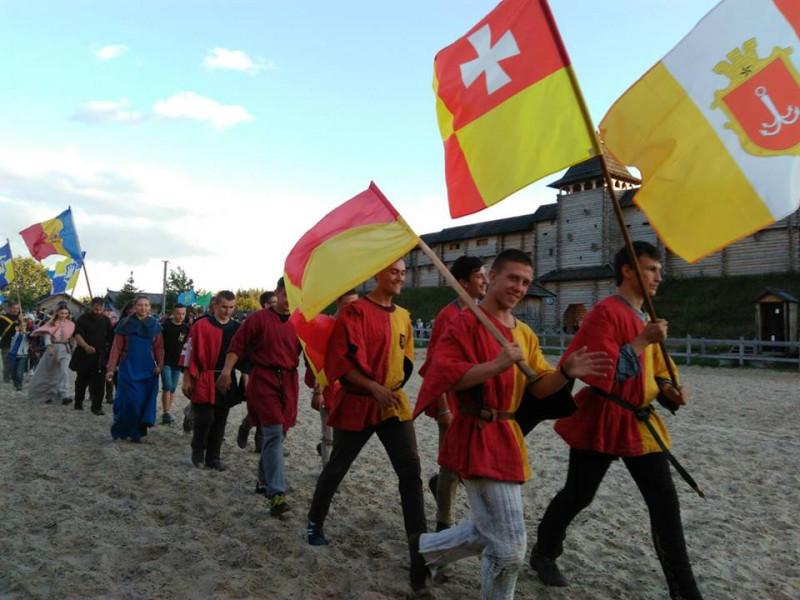 """Лицарі клубу середньовічного бою """"Айна Бера Луцьк"""" здобули перемоги на міжнародному чемпіонаті, який також був третім етапом відбору до національної збірної."""