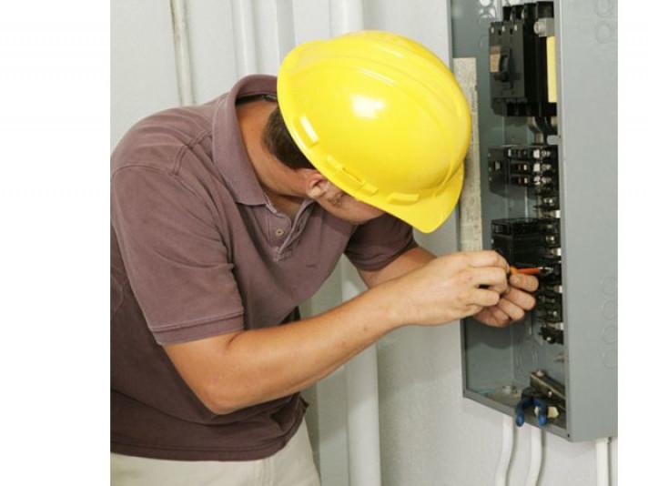 На деяких вулицях Луцька у понеділок, 1 жовтняприпинять електропостачання.