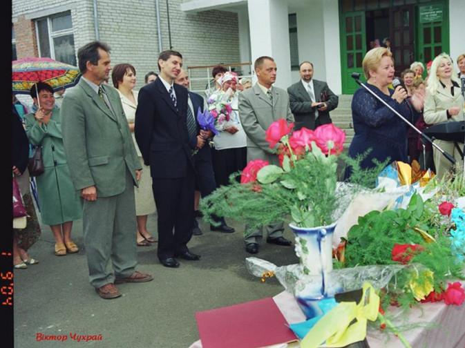 Раритетні фото з відкриття школи в Боратині