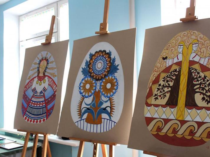 У Луцькому НТУ – виставка до Дня художника