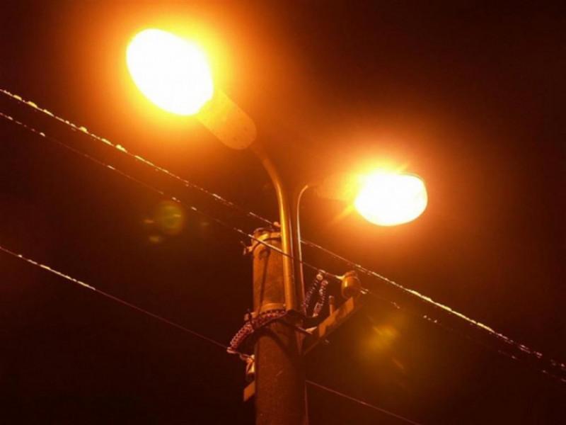 Ліхтарі на вулиці Кравчука