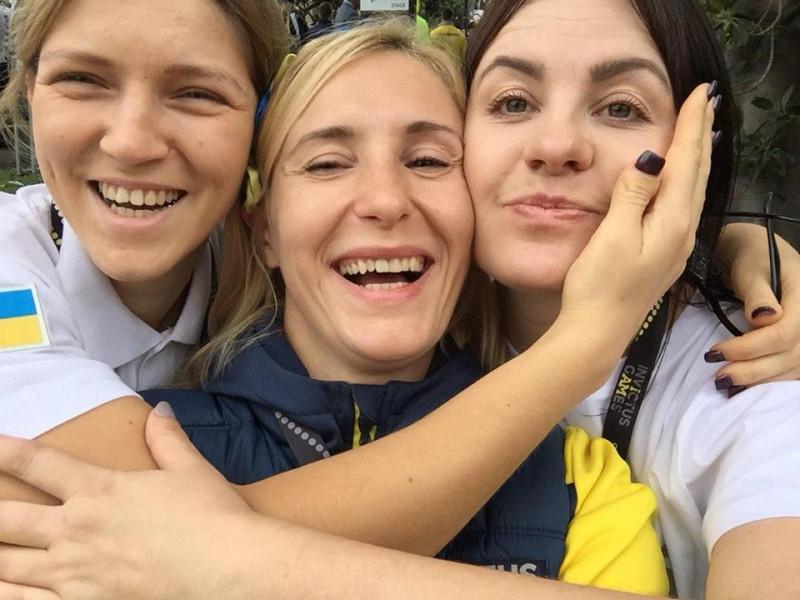 Майя Москвич (у центрі) з Іриною Вільною та Юлією Грищук