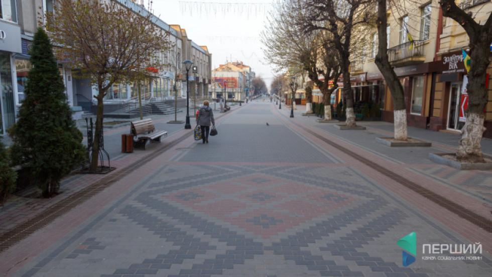 Вулиця Лесі Українки у Луцьку викладена бруківкою «Цеглинка»