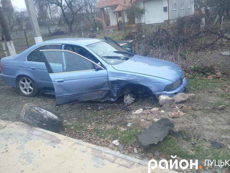 Одне з постраждалих авто