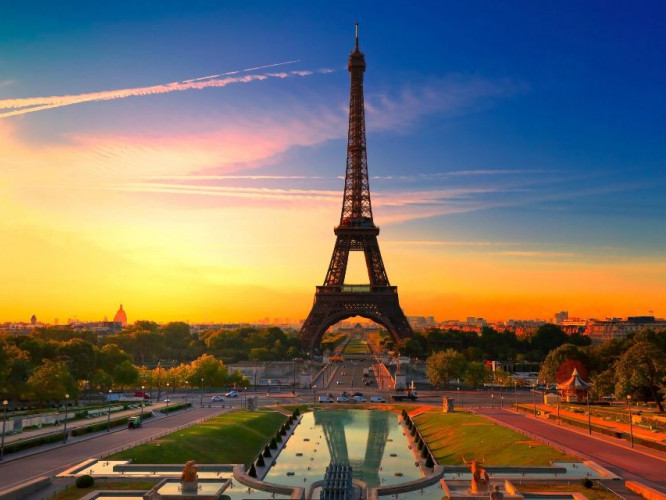 розіграють подорож до Парижа
