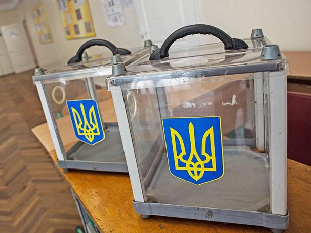 Голосування на виборах у новостворених ОТГ на Волині триває.