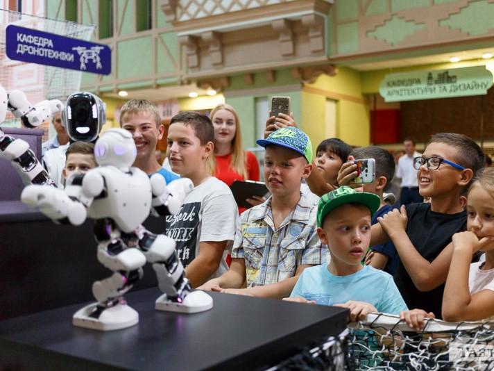 «Робологікум» запрошує на змагання з BeyBlade та вчитиме надавати першу допомогу