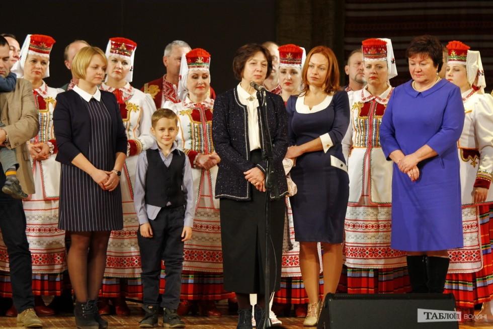 Родина Бориса Клімчука: дружина Світлана Олексіївна, сестра Ірина Петрівна, доньки Яна і Юля з дітьми