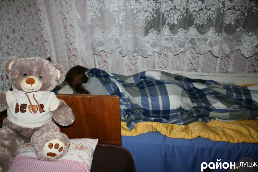 А нічний сон охороняє плюшевий ведмедик