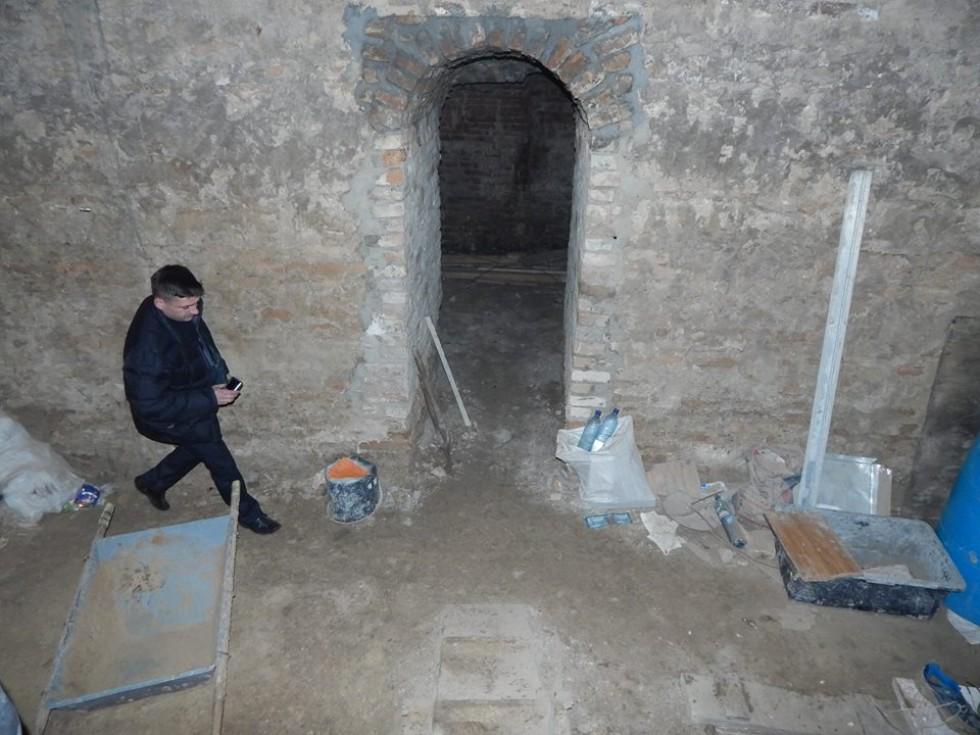 Що планують облаштувати у цьому підземеллі, ніхто не каже. Фото Народного контролю