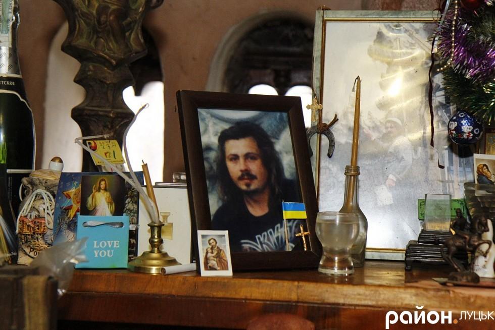 Портрет сина Миколи, який помер 2005-го від інфаркту