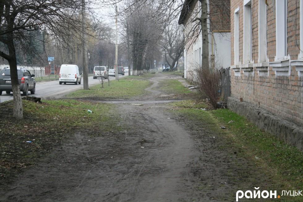 А навіщо асфальтовані тротуари в ХХІ столітті?