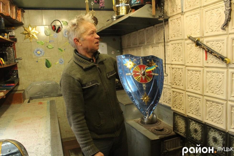 Павло Андрікевич планує  зробити аналогічний щит білого кольору