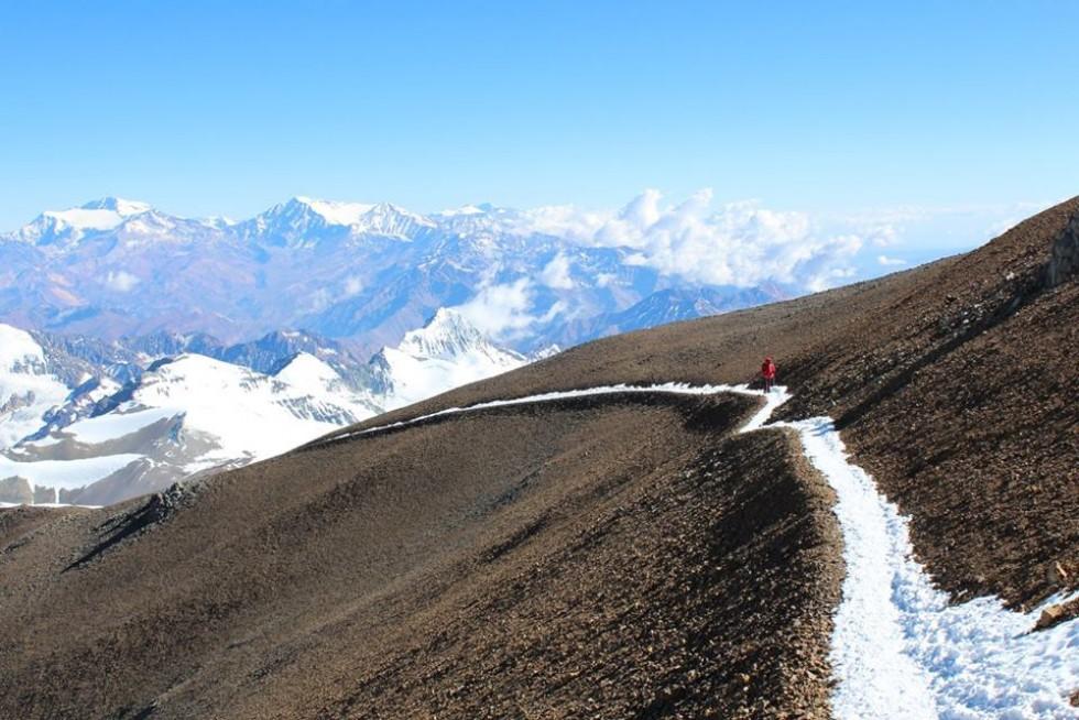 Альпіністи майже на вершині: траверс на висоті 6 400 м
