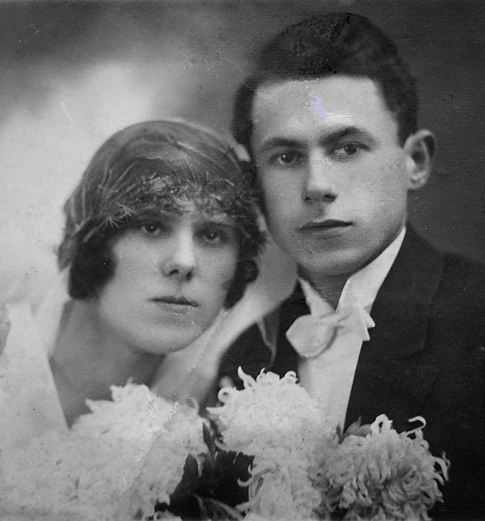 Весільне фото батьків Георгія Мірецького — Марії та Адама Мірецьких (1927-1928 р.р.)