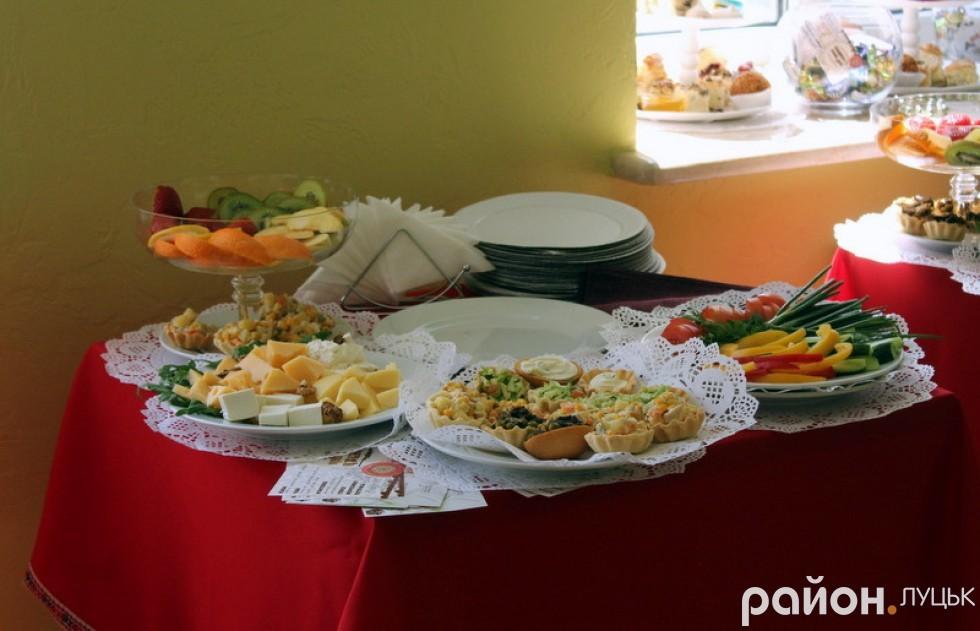 Гостей форуму пригощали смачним обідом