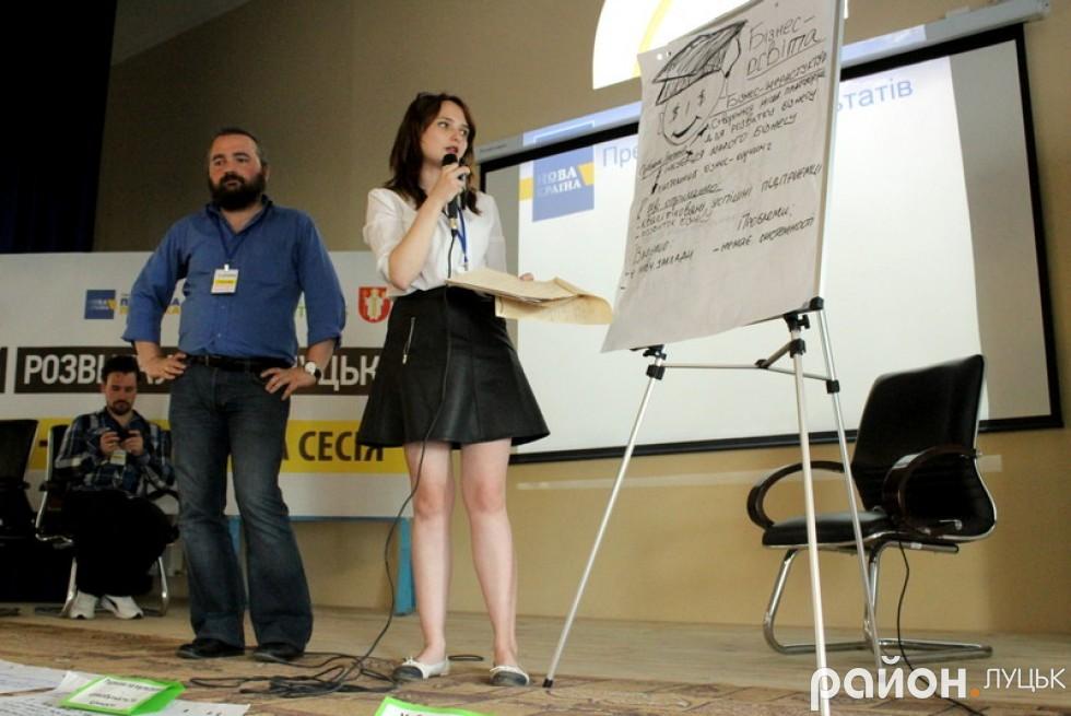 Михайло Войтович та Тетяна Карпів пояснюють, що заважає бізнесу розвиватися у нашому місті