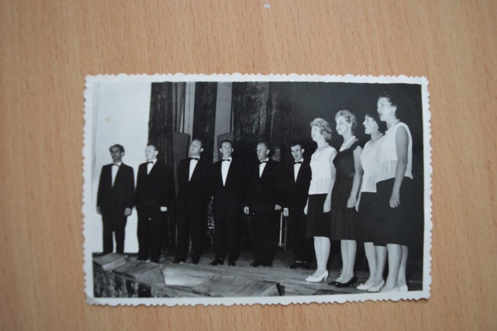Від початку існування ансамблю, а саме з 1960 року, Георгій Мірецький обробив для акапельного виконання мішаного хору чи не одні з найкращих світових шедеврів