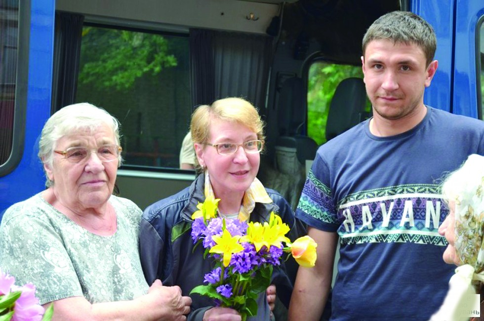 Тетяна Білінскі (у центрі) з мамою та сином