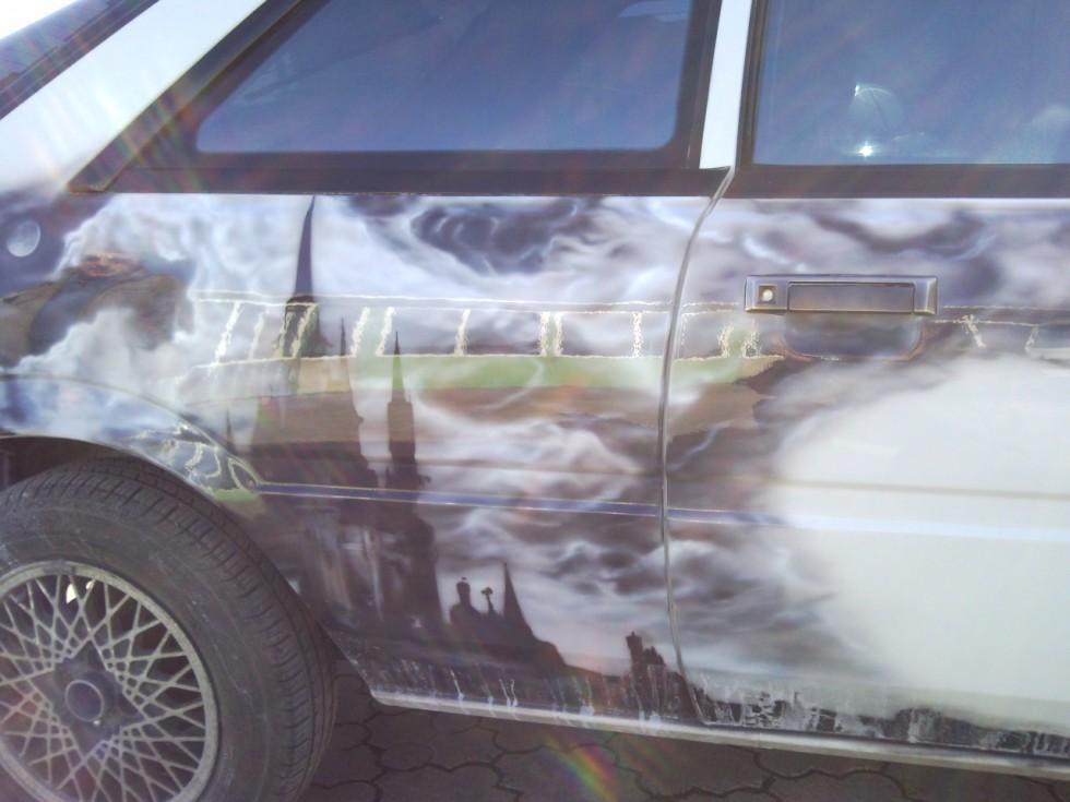 Тюнінговане авто...