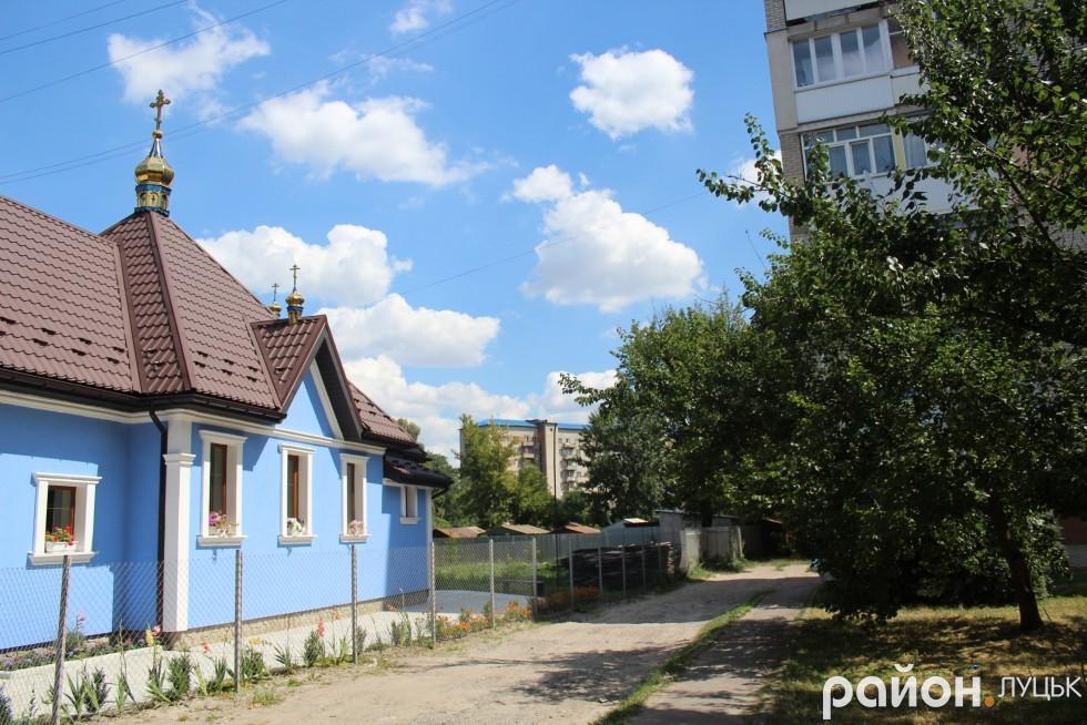 Мешканці будинків на Львівській, 73, 73а скаржаться на церковні гучномовці