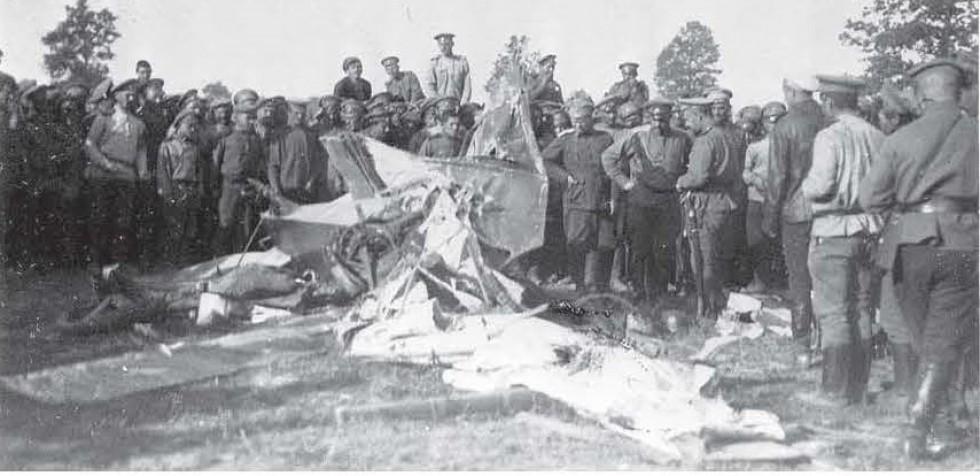 1916, розбитий Ньюпор Шарапова. М.Хайрулин Летчики-истребители Первой Мировой войны