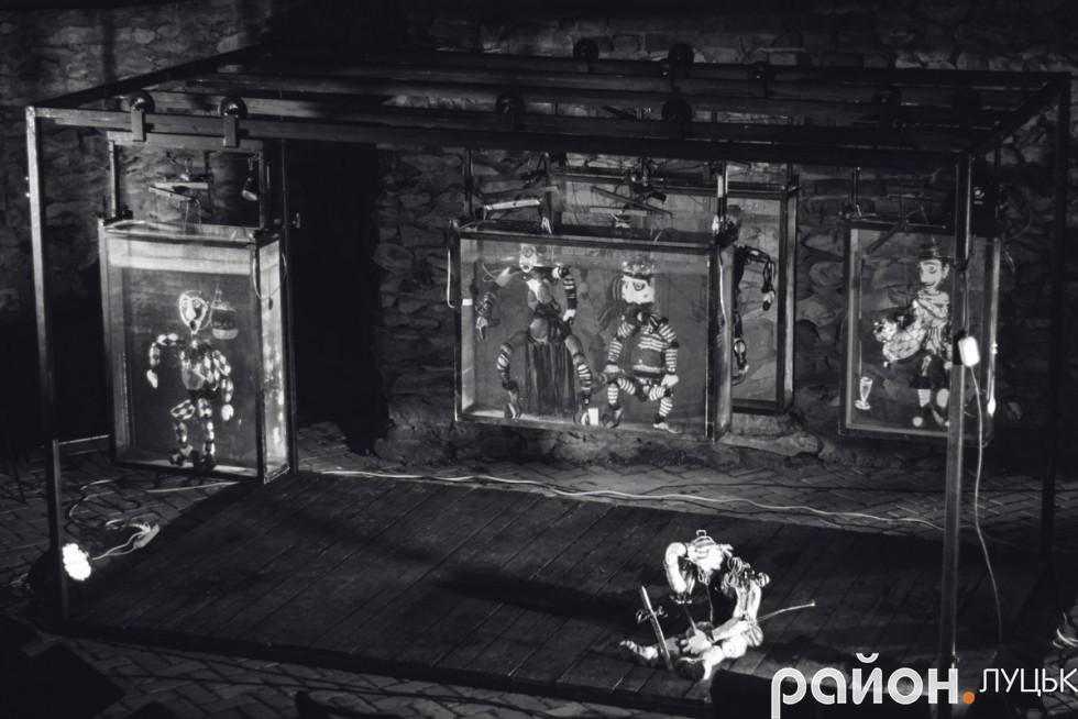 Сцена для вистави «Гамлет»