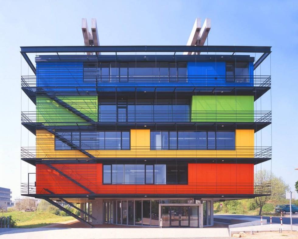 Експериментальна лабораторія «XLAB» у Геттінгені, на базі якої відбуватиметься наукова школа з біохімії та нейрофізіології