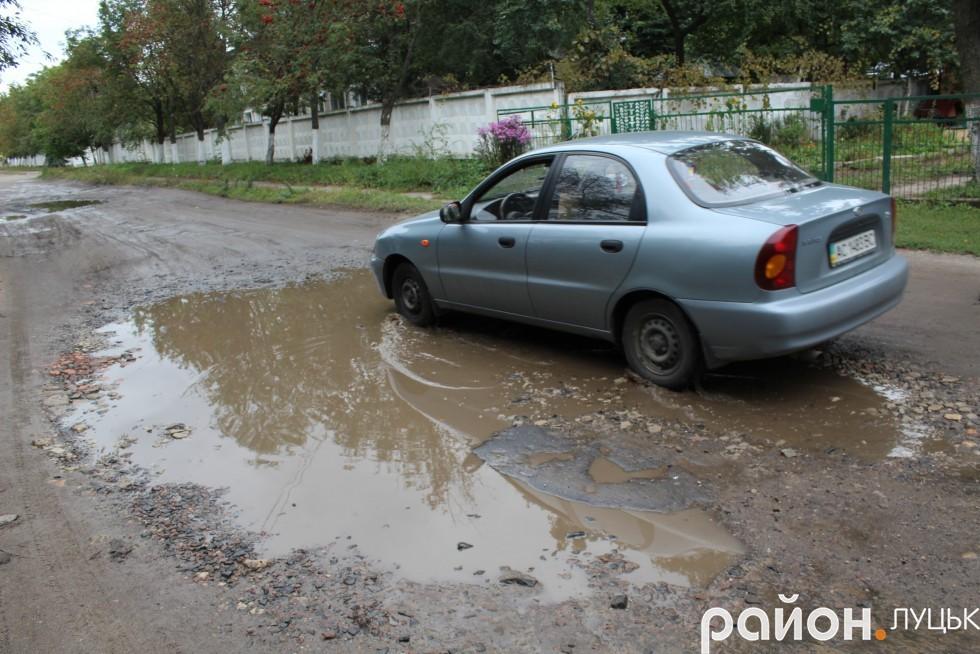 Інша частина вулиці Заньковецької потребує капітального ремонту