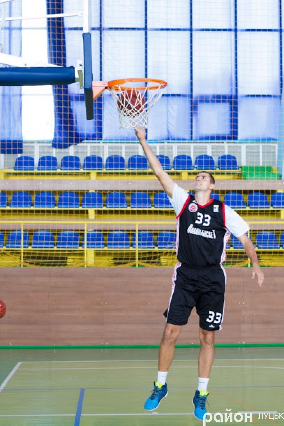 Артем Чемякін на тренуванні
