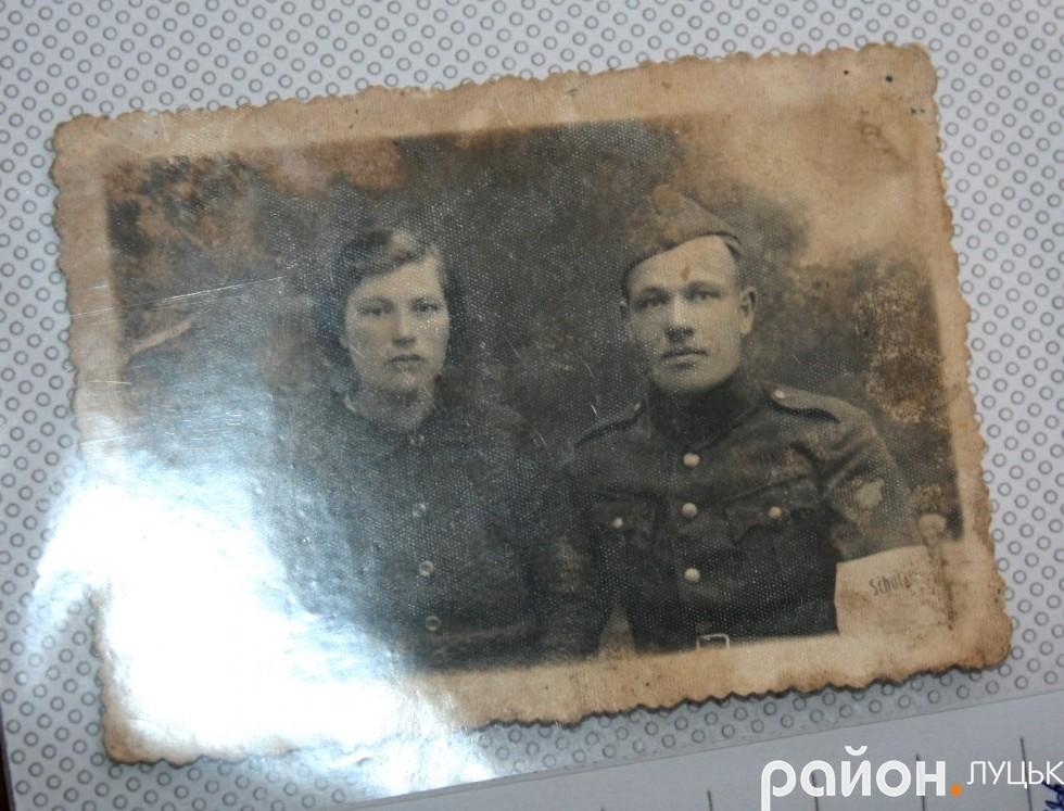 Матір і батько Людмили Гончарук