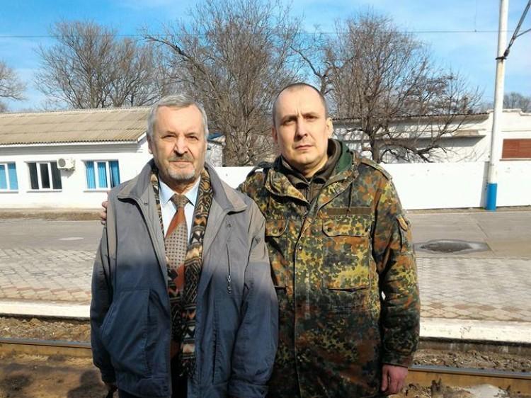 Костянтин Васін (ліворуч)