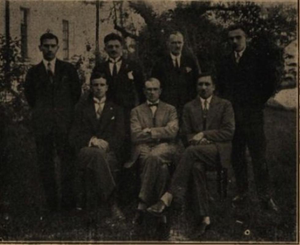 Прокурори Луцького окружного суду. Зліва на право віце-прокурор А.Добмбровський, прокурори Сколімовський, Гжибовський, Королько, Шабловський та Студзінський. 1929 р.