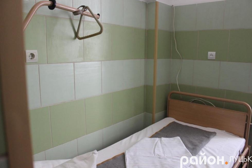 Благодійники відремонтували 5 палат у шпиталі
