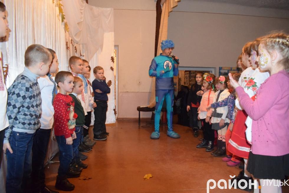 «Нулик» пояснив дітям правило гри на кмітливість та реакцію