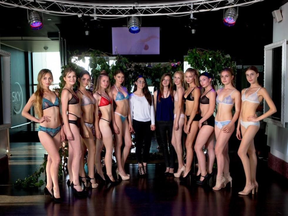 Комплекти дівчини демонстрували на Lutsk Fashion Weekend