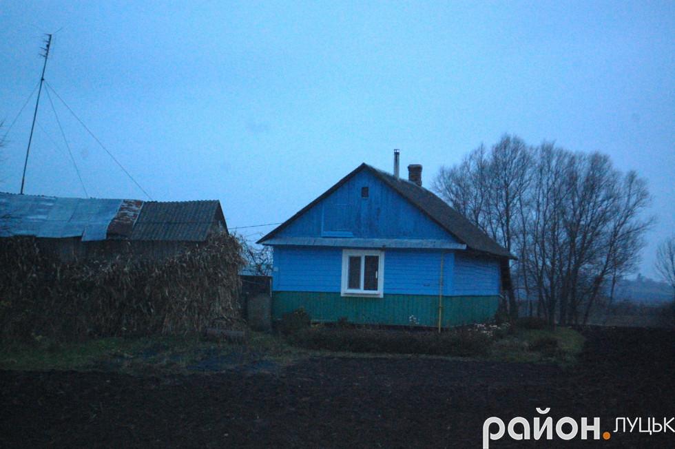 Після війни діти ходили у школу до хати Кості Медведюка