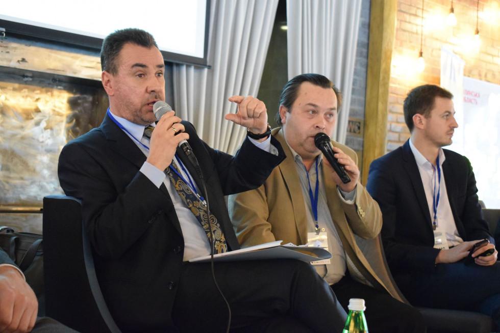 Павел Прокоп (крайній ліворуч)