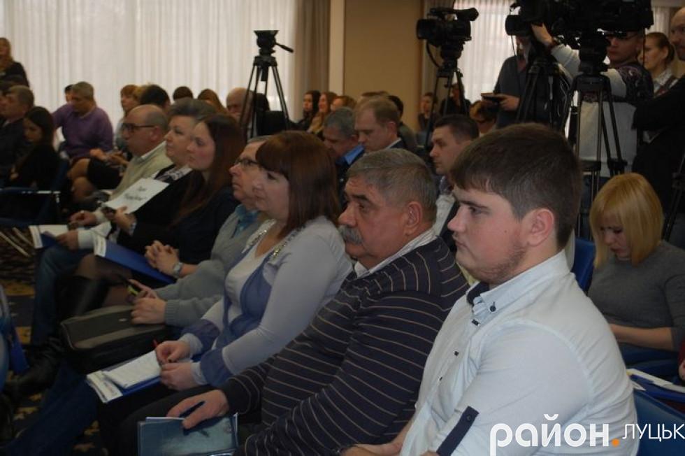 Журналісти з всієї України слухають, які ж покращення чекають на українців у Новому році