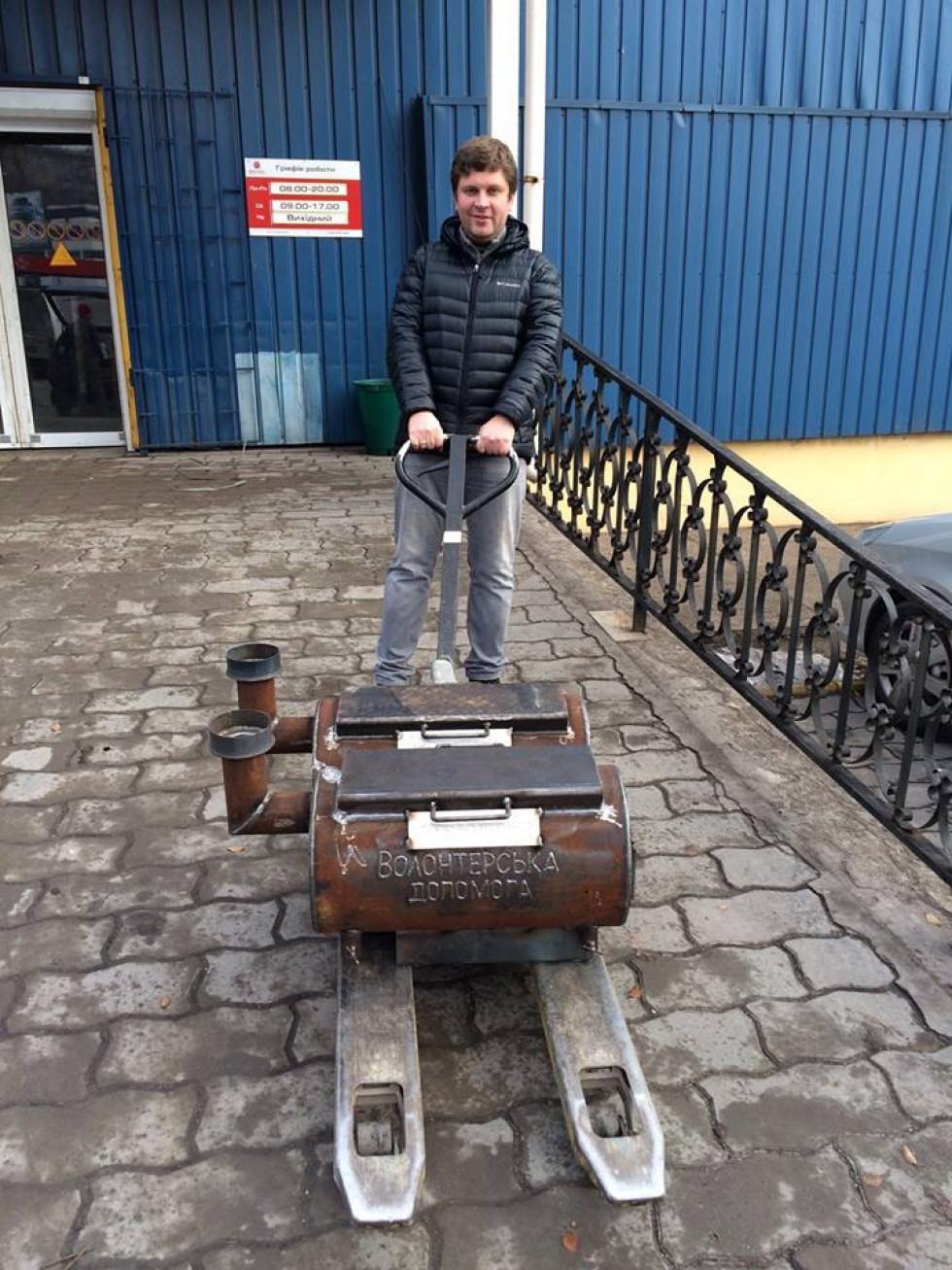 Денис П'ятигорець став волонтером з початку війни на Сході