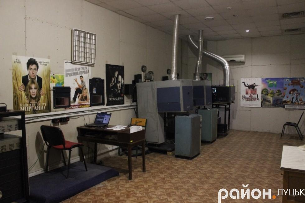 Майстерня кіноінженера має кілька кімнат
