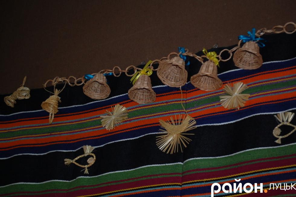 Прикраси із соломи, якими декорували оселі