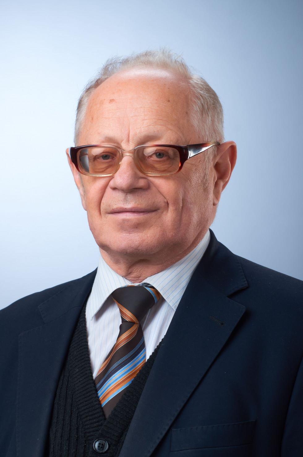 Геннадій Бондаренко, завідувач кафедри документознавства і музейної справи СНУ імені Лесі Українки.