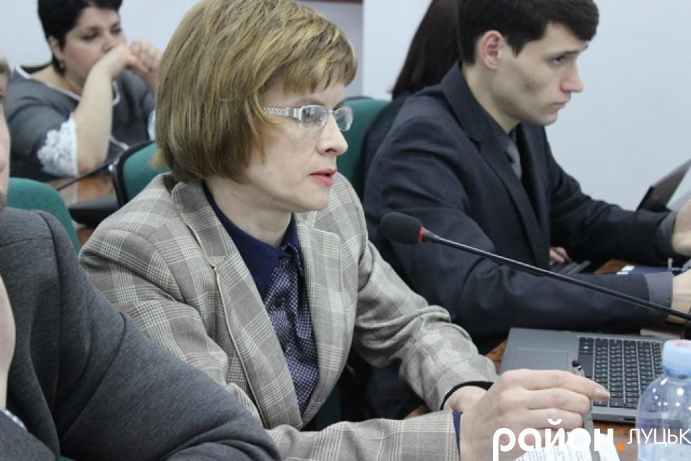 Анна Мовяк «допитує» Зиновію Лещенко